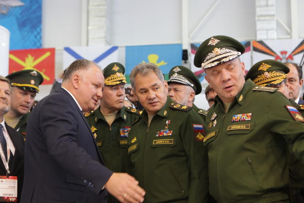Вертолеты России- Александр Михеев и Сергей Шойгу