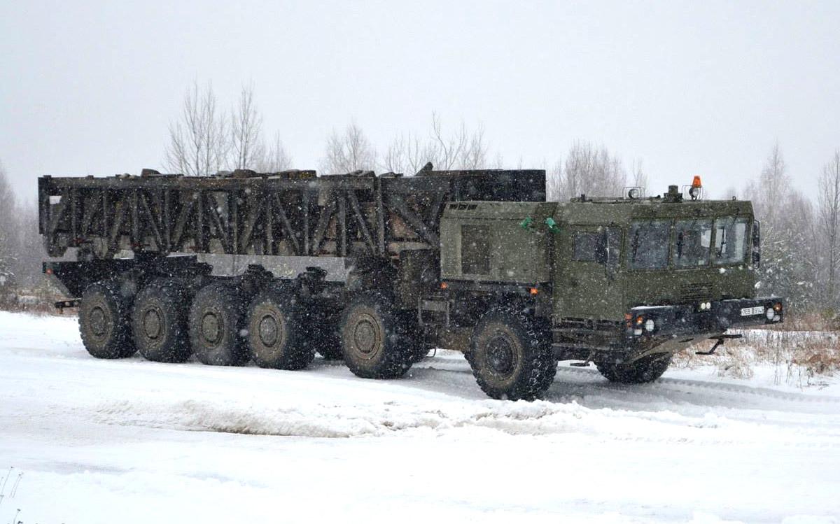 Испытания шасси МЗКТ-79291 на полигоне в Белоруссии. Предположительно январь 2015 г. (http://mzkt.by)