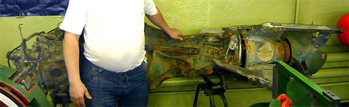 """Фрагменты торпеды 65-76А с борта ПЛАРК """"Курск"""". Хвостовая часть и двигатель. Музей г.Мурманск, май 2010 г."""