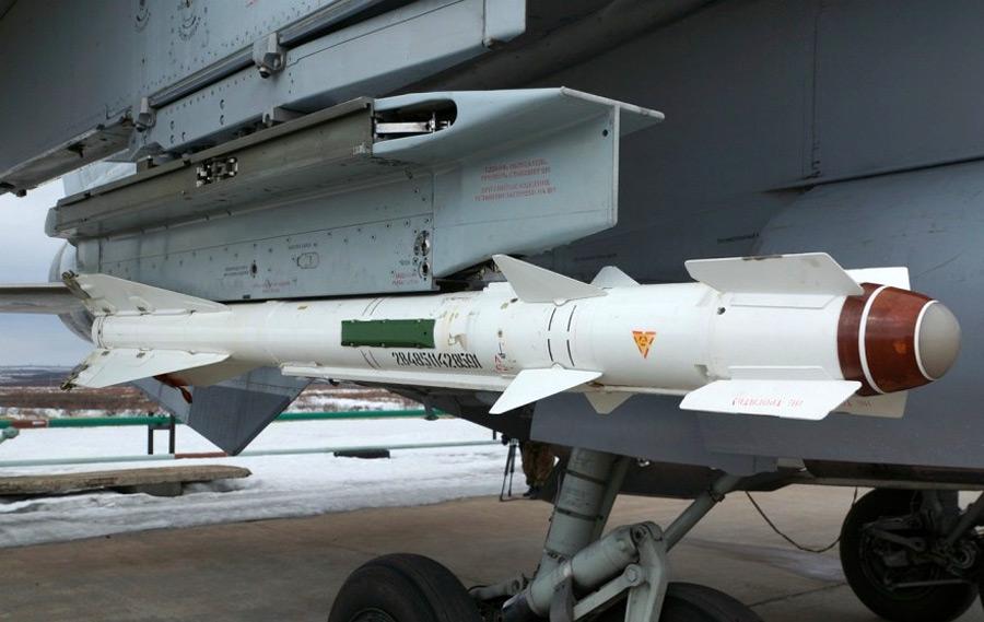 Ракета Р-60М под крылом МиГ-31ДЗ. 2013 г. (фото - Алексей Резниченко, http://lelik1970.livejournal.com/)