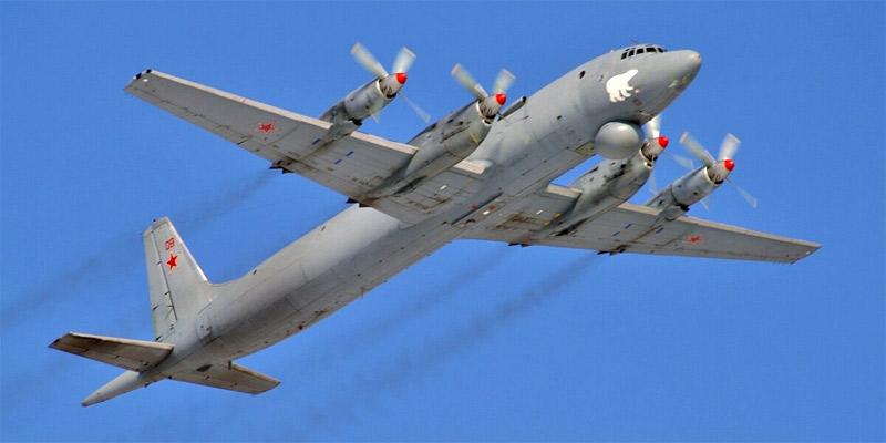 Ил-38 авиации Северного флота, Североморск, 22.04.2010 г. (http://russianplanes.net)