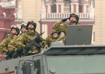 """Концерн """"Калашников"""" продемонстрировал новейшие автоматы АК-12, АК-200 и АК-205"""