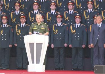 Шойгу: ОПК России динамично развивается, невзирая на санкции Запада