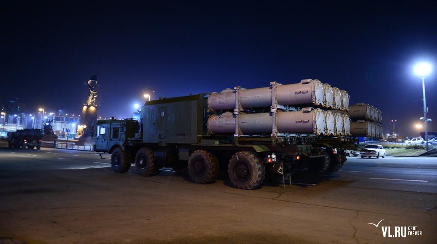 """Пусковые установки комплексов 3К60 """"Бал"""" на репетиции парада во Владивостоке (http://vl.ru)"""