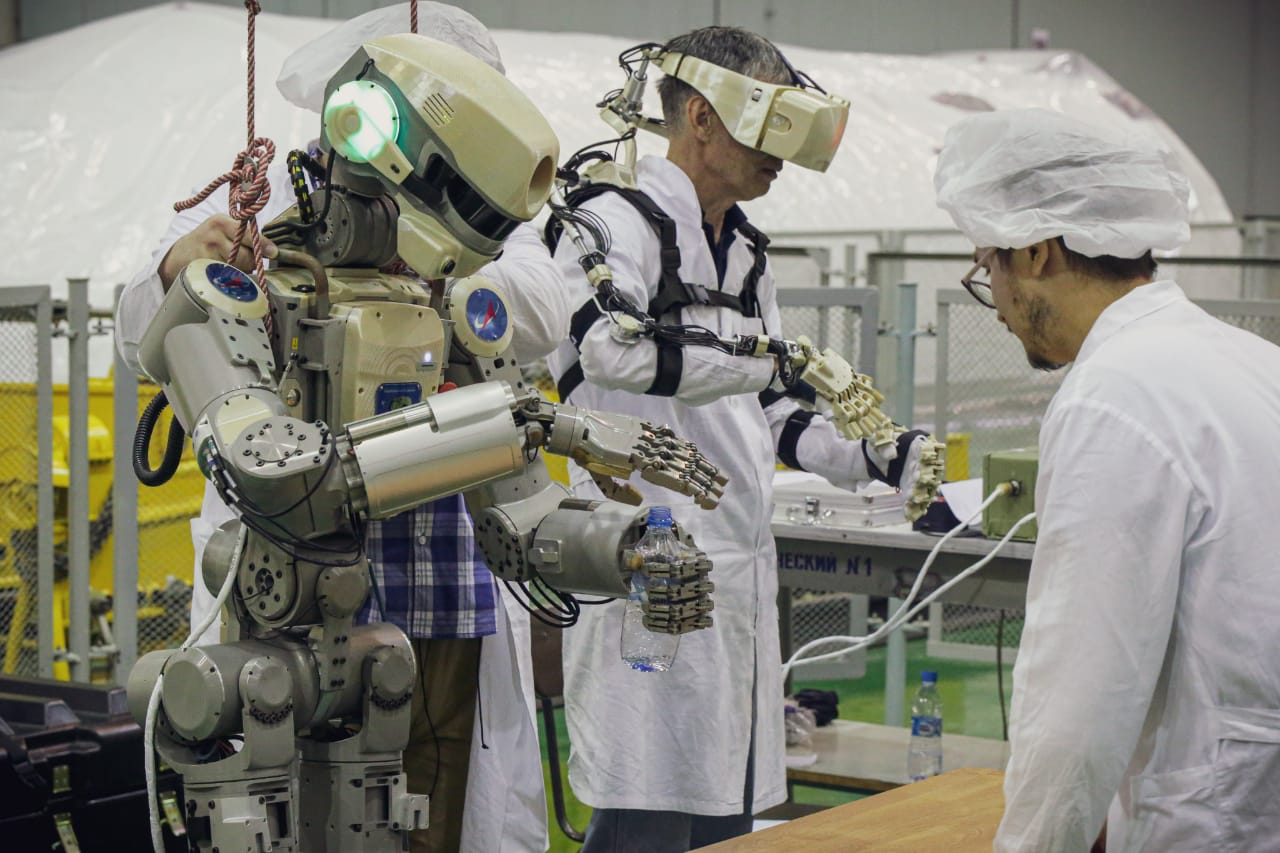 Робот Федор_ НПО Андроидная  техника
