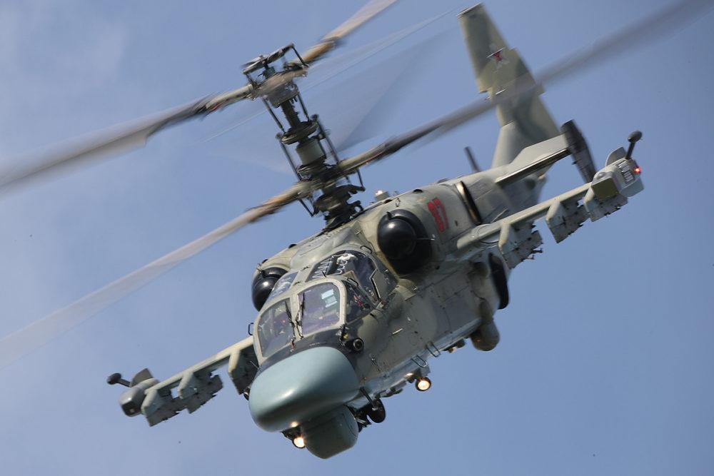 МАКС-2019_ Боевой вертолет в небе