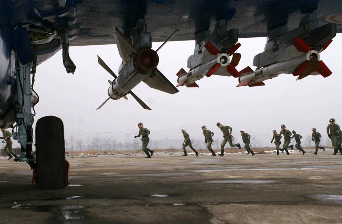Ракеты Р-27Р и Р-60М под крылом МиГ-29 ВВС КНДР (KCNA, http://www.afp.com)