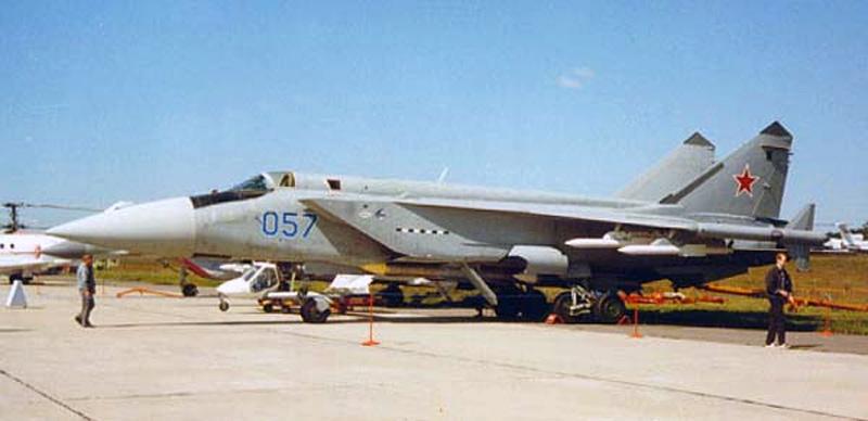 МиГ-31М борт №057 в Раменском, август 1997 г. (фото - Максим Брянский, http://www.foxbat.ru/)