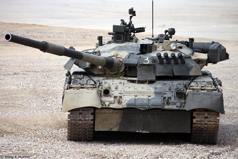 Основной танк Т-80У (фото - Виталий Кузьмин, https://www.vitalykuzmin.net/)