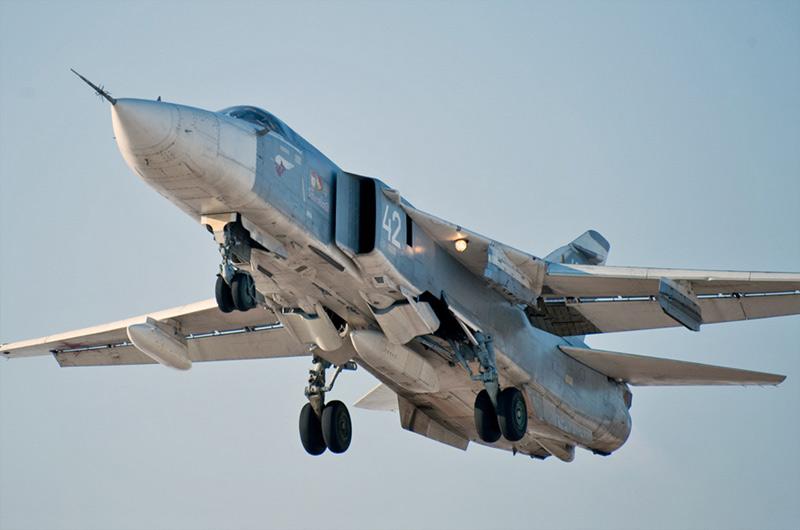 Самолет-разведчик Су-24МР борт №42 белый регистрационный № RF-91994, авиабаза №7000 Балтимор, январь 2012 г. (http://ruforces-com.livejournal.com)