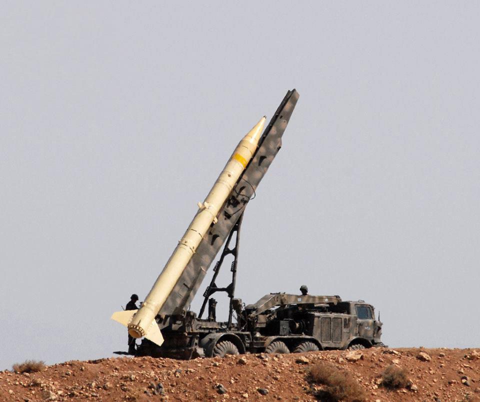 """Пусковая установка 9П113 с ракетой 9М21 комплекса 9К52 """"Луна-М"""" вооруженных сил Сирии (фото 2012-2013 г.г.)"""
