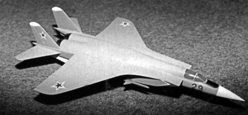 """Модель одного из вариантов аванпроекта самолета МиГ-29 1972 г. с ракетами К-25 (Якубович Н.В. МиГ-29. Истребитель """"невидимок"""". М., Яуза, ЭКСМО, 2010 г.)"""