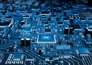 ФСБ проводит обыски у импортеров электроники для ОПК