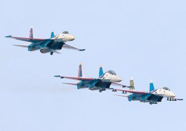 «Русские Витязи» провели уникальные полеты на трех типах самолетов