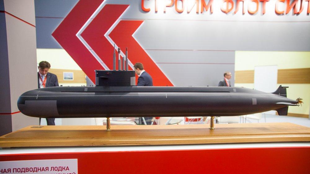 """Модель неатомной подводной лодки проекта 677Э """"Амур 1650"""" с воздухонезависимой энергетической установкой (фото - Никита Григорьев, flotprom.ru)"""